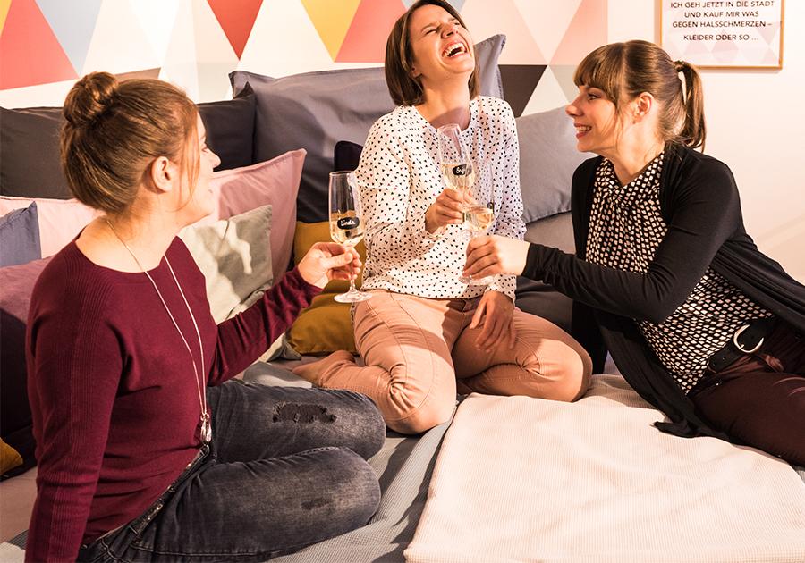 Schwesterherzen Kleiderzimmer Freundinnen